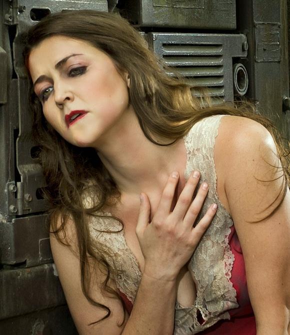 AnyaSoftened Anna Noggle anya17 opera parallele san francisco